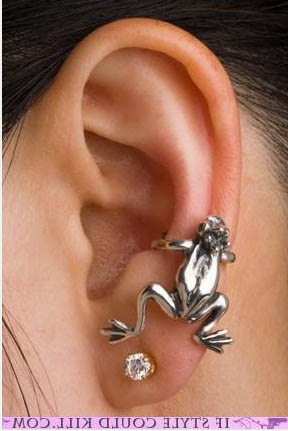 frog-conch-piercing